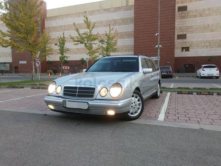 Mercedes-Benz E 280 1998 года за 2 650 000 тг. в Алматы