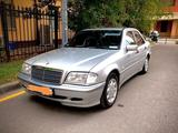 Mercedes-Benz C 200 1999 года за 1 800 000 тг. в Уральск