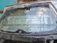 Заднее стекло крышки багажника за 15 000 тг. в Алматы