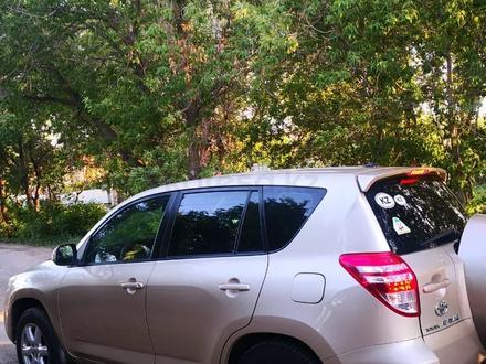 Toyota RAV 4 2011 года за 7 000 000 тг. в Уральск – фото 2