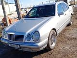 Mercedes-Benz E 200 1997 года за 1 700 000 тг. в Кокшетау