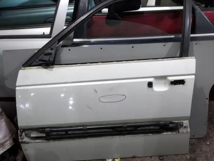 Дверь передняя левая на WV пассат в3 за 10 000 тг. в Караганда