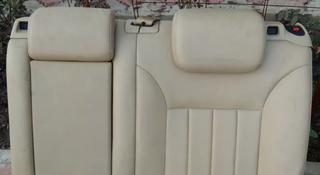 Сиденья задние центральная консоль подлокотник за 9 999 тг. в Алматы