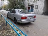 Mercedes-Benz E 200 1995 года за 1 950 000 тг. в Семей – фото 3