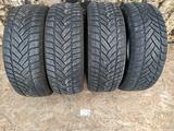 Резина б у 195*55*16 Dunlop (M + S) зима, 4 шт., комплект б у из Европы. за 60 000 тг. в Караганда