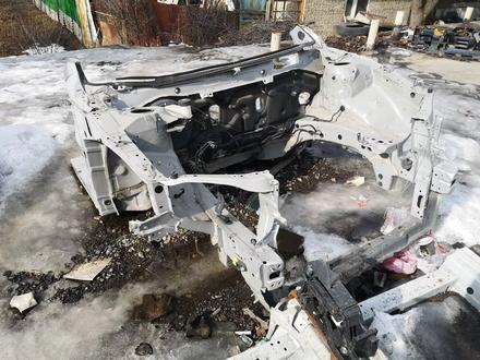 Телевизор с лонжеронами в комплектена тойоту камри 40 за 120 000 тг. в Алматы