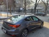 Hyundai Elantra 2019 года за 10 000 000 тг. в Алматы – фото 2