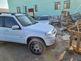 Chevrolet Niva 2014 года за 2 600 000 тг. в Актау – фото 2