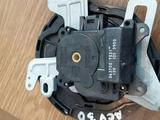 Моторчик заслонки печки сервопривод печки Toyota Camry 30 063700-7831 за 10 000 тг. в Семей