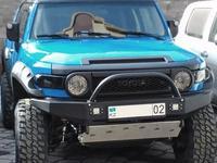 Бампер передний силовой на Toyota FJ Cruiser за 469 063 тг. в Атырау