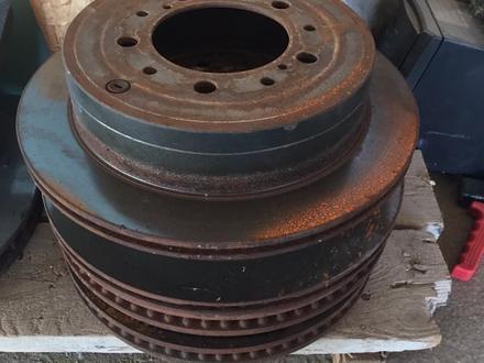 Тормозные диски б/у TLC200 за 40 000 тг. в Алматы – фото 2