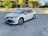 Toyota Camry 2020 года за 16 700 000 тг. в Шымкент