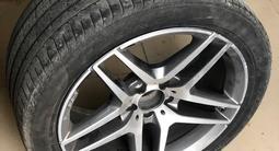 Летние шины б/у с оригинальными дисками от Mercedes S-classe W222 R19 за 450 000 тг. в Нур-Султан (Астана) – фото 2
