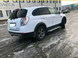 Chevrolet Captiva 2012 года за 4 950 000 тг. в Уральск – фото 3