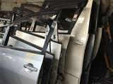 Дверь Toyota Alphard 2005 за 50 000 тг. в Актау – фото 2