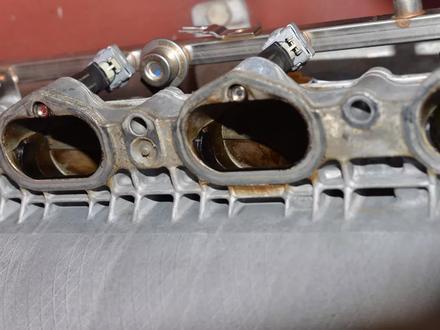 Коллектор впускной на мерседес E350 на 272-й двигатель за 3 000 тг. в Алматы – фото 2