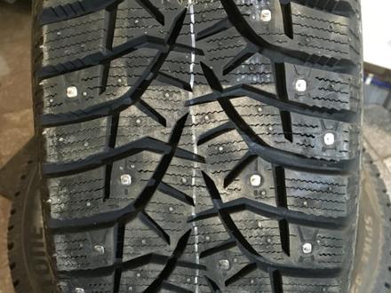 Bridgestone 265/35R18 Blizzak Spike-02 за 68 000 тг. в Алматы