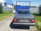 Mercedes-Benz E 200 1990 года за 1 100 000 тг. в Петропавловск – фото 3