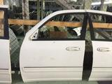 Дверь передняя левая на Toyota Sequoia за 111 тг. в Алматы