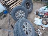 Шины с дисками за 300 000 тг. в Актобе – фото 2