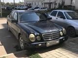 Mercedes-Benz E 230 1997 года за 1 300 000 тг. в Уральск – фото 4