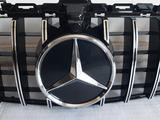 Mercedes-benz w205 c-class центральные решётки радиатора за 100 000 тг. в Алматы – фото 3