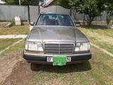 Mercedes-Benz E 220 1994 года за 1 900 000 тг. в Алматы