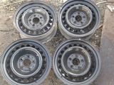 Оригинальные металлические диски на Mercedes 210 (R15 5*112 ЦО67 за 35 000 тг. в Нур-Султан (Астана)