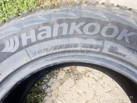 Отличные зимние шины. за 80 000 тг. в Алматы
