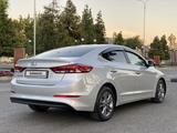 Hyundai Elantra 2017 года за 6 600 000 тг. в Шымкент – фото 4