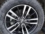 Шины Pirelli 205/60/r16 с дисками за 170 000 тг. в Атырау