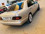 Mercedes-Benz E 320 1999 года за 1 900 000 тг. в Атырау – фото 3