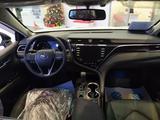 Toyota Camry 2019 года за 18 365 890 тг. в Семей – фото 5