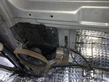 Шумо-вибро-теплоизоляция салона в дц автоэстетика в Алматы – фото 5