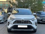 Toyota RAV 4 2019 года за 15 600 000 тг. в Нур-Султан (Астана) – фото 2
