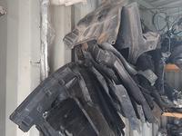 Передние подкрыльники на nissan cefiro А 32 за 15 000 тг. в Алматы
