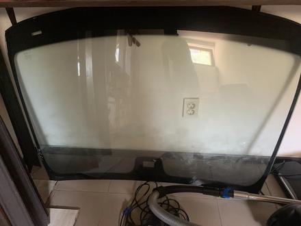 Оригинальное лобовое стекло от S550 W221 за 100 000 тг. в Алматы
