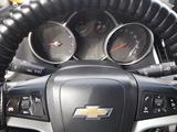 Chevrolet Cruze 2013 года за 3 500 000 тг. в Атырау – фото 5
