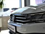 Volkswagen Passat 2020 года за 13 270 000 тг. в Атырау – фото 3