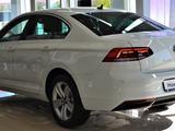 Volkswagen Passat 2020 года за 13 270 000 тг. в Атырау – фото 5