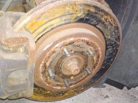 Тормозные диски на Lexus RX330 за 7 000 тг. в Алматы – фото 2