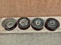 Железные диски R15 4x100 Рено (оригинал) за 9 990 тг. в Нур-Султан (Астана)