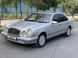 Mercedes-Benz E 230 1996 года за 1 740 000 тг. в Шымкент – фото 2