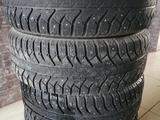Зимние шипованые шины Bridgestone 265/65R17 за 60 000 тг. в Усть-Каменогорск