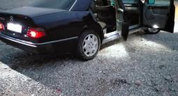 Mercedes-Benz E 230 1991 года за 1 650 000 тг. в Шымкент – фото 3