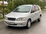 Toyota Ipsum 1997 года за 3 000 000 тг. в Алматы