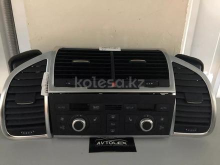 Комплект дефлекторов с климат контролем на Audi q7 в Алматы