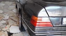 Mercedes-Benz E 230 1991 года за 1 500 000 тг. в Кызылорда – фото 4