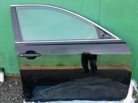 Дверь передняя правая Toyota Camry 55 за 145 000 тг. в Костанай