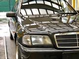 Mercedes-Benz C 280 1994 года за 2 500 000 тг. в Алматы – фото 2